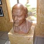 gruto-parko-lenino-skulptura