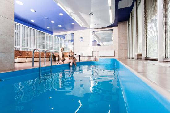 best-western-hotel-vilnius-swimming-pool_imagelarge